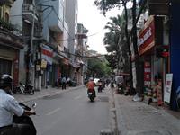 Bán  đất tặng nhà 5 tầng mặt phố Thái Thịnh, kinh doanh, vỉa hè , vị trí đẹp, 156m, 52 tỷ.