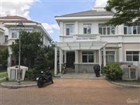 Kẹt tiền cần bán gấp biệt thự vườn chateau phú mỹ hưng quận 7. căn đường lớn nhà thô giá rẽ nhất
